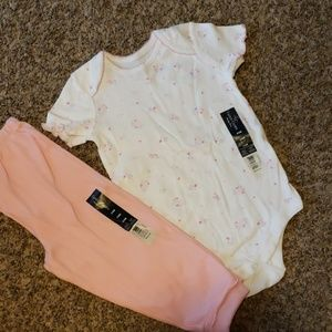 3/$12 Baby girl outfit
